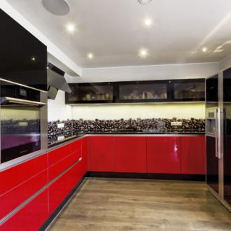 punane köök