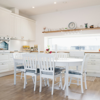klassikaline valge köök